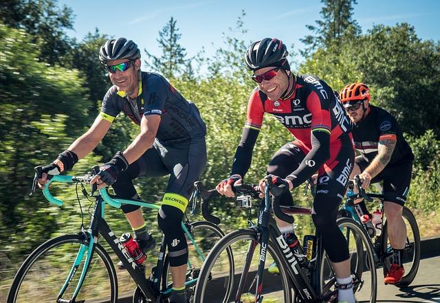 veselý cyklisti.jpg