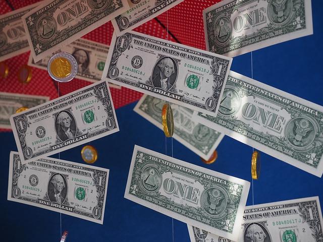 peníze jako ozdoba.jpg