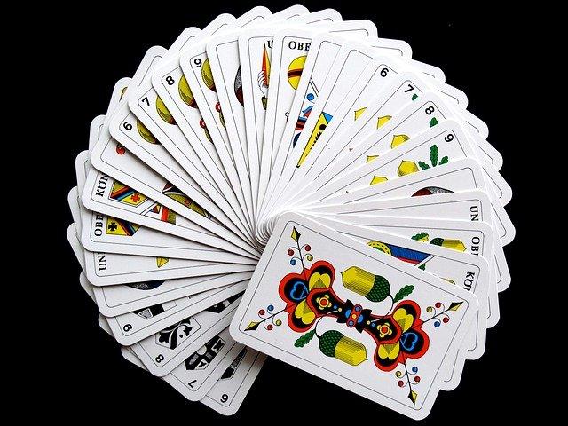 Vějíř z karet
