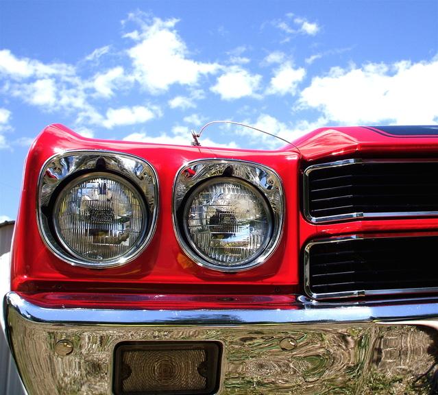 přední světlomety Chevrolet Malibu.jpg